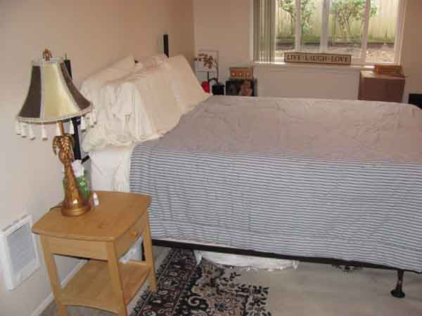 apt furnished2-lr